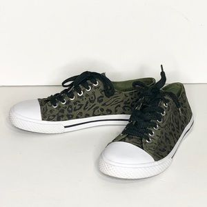Airwalk Army Green Leopard Canvas Sneakers-8-1/2